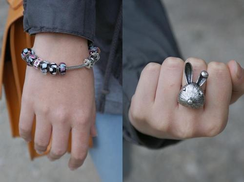 pierścionek z królikiem