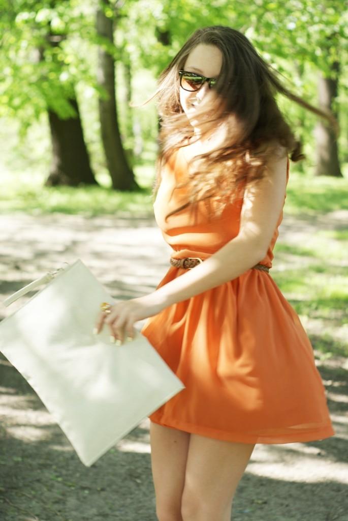pomarańczowa sukienka na wesele