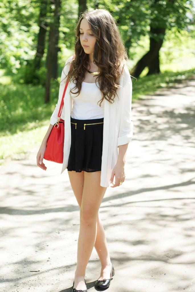 biało czarna stylizacja na blogu