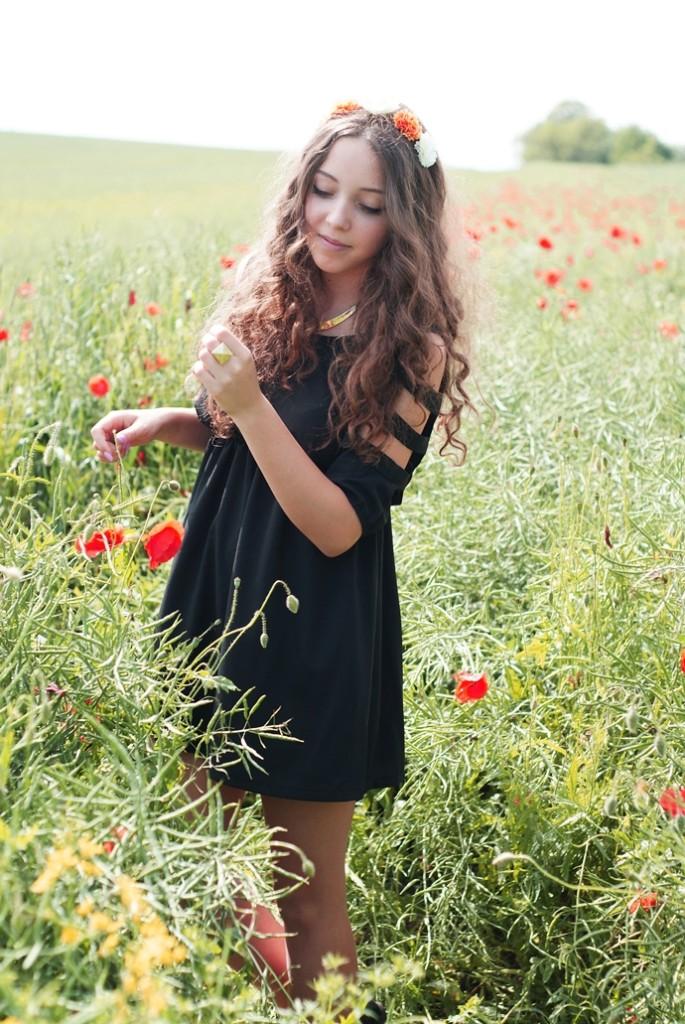 czarna sukienka romwe z wycięciami
