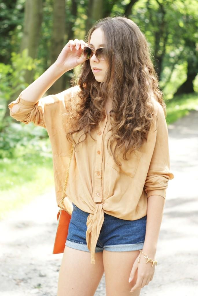 Karmelowa koszula
