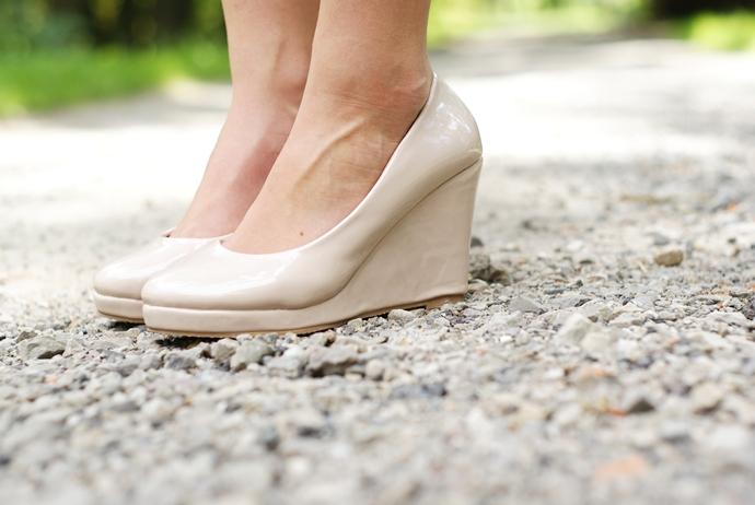 pastelowe koturny czas na buty