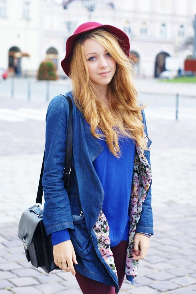 Jeansowy płaszcz z kwiatowym wzorem