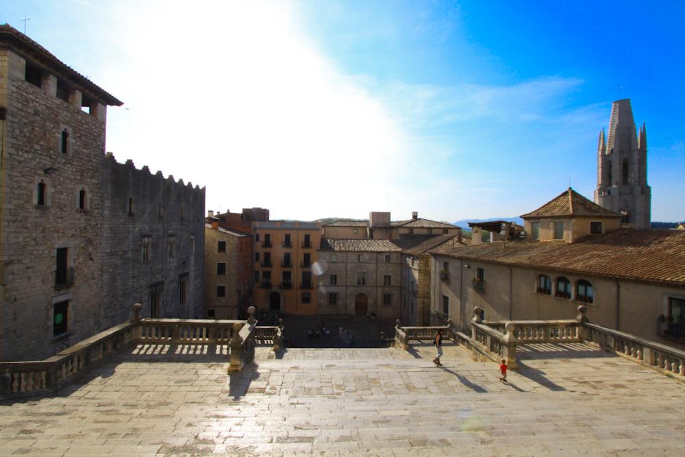 Girona co zobaczyć domy miasto