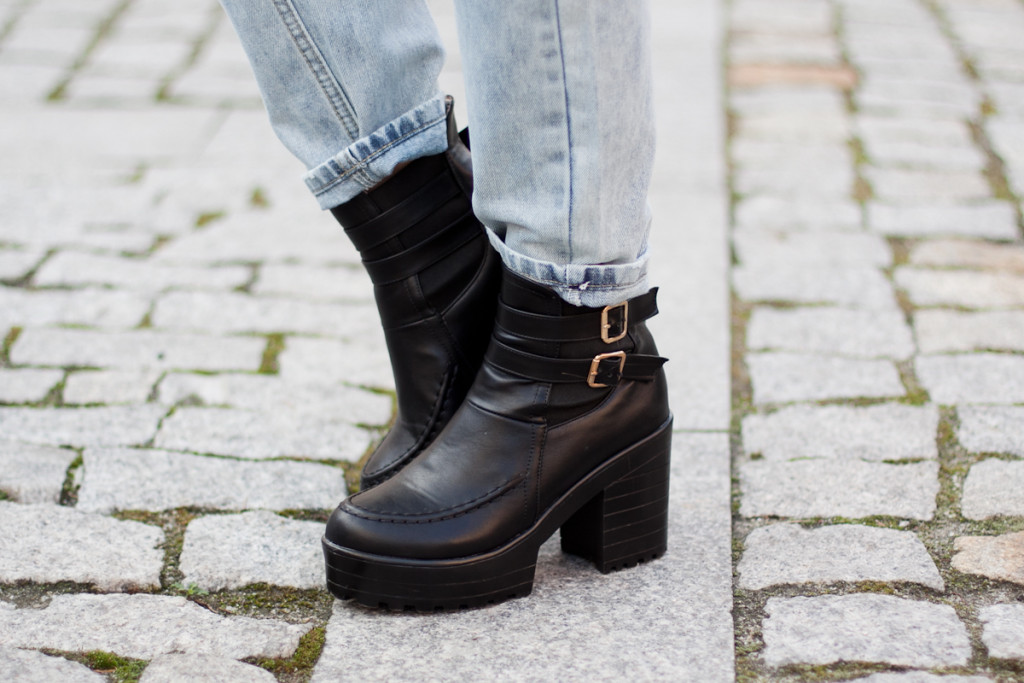 chicwish black boots