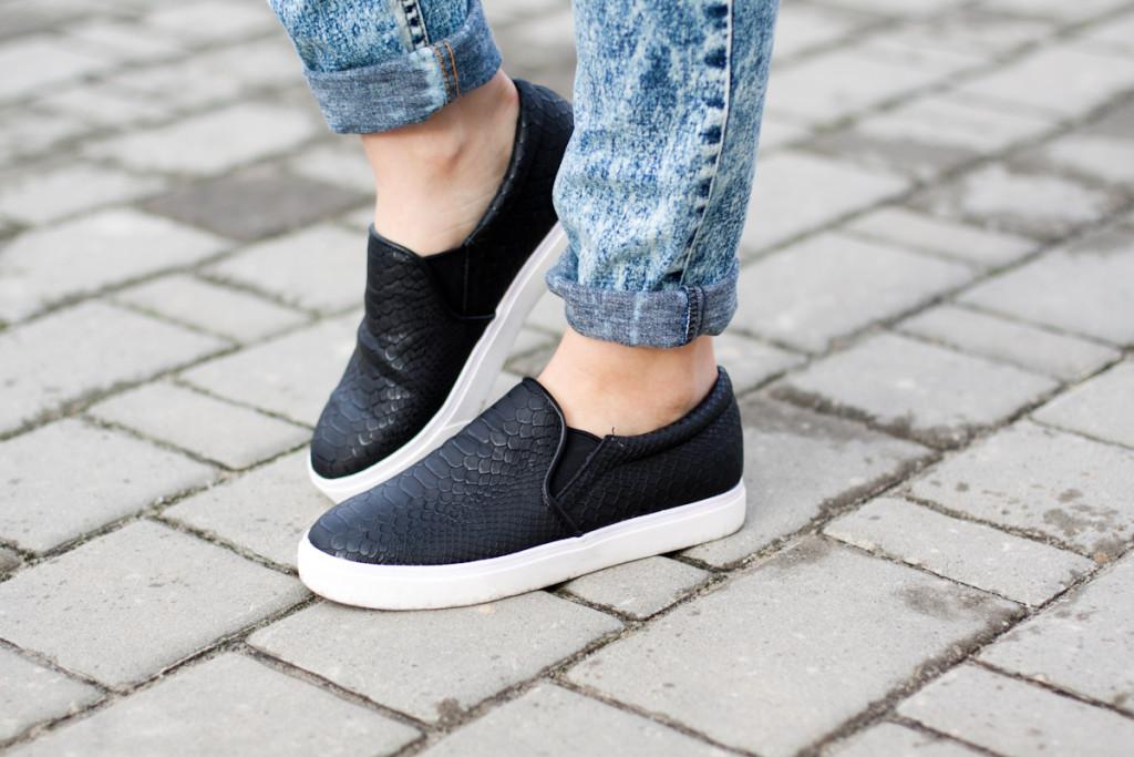 czarne buty slip on