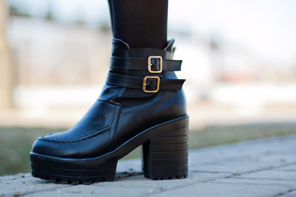 black boots Chicwish