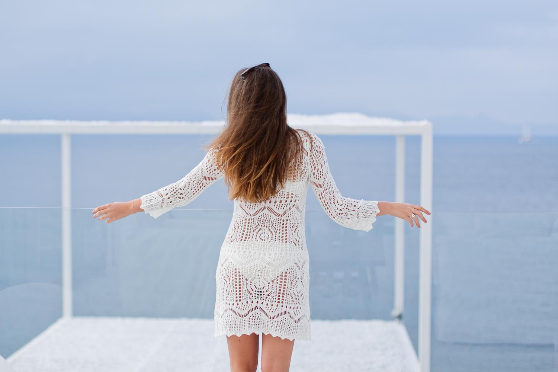 eea8b43db3 Szydełkowa biała sukienka - idealna na lato czy festiwal!