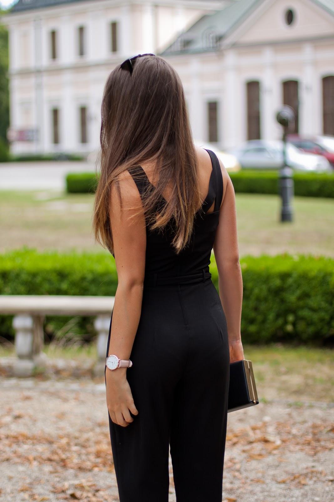 elegancki czarny kombinezon