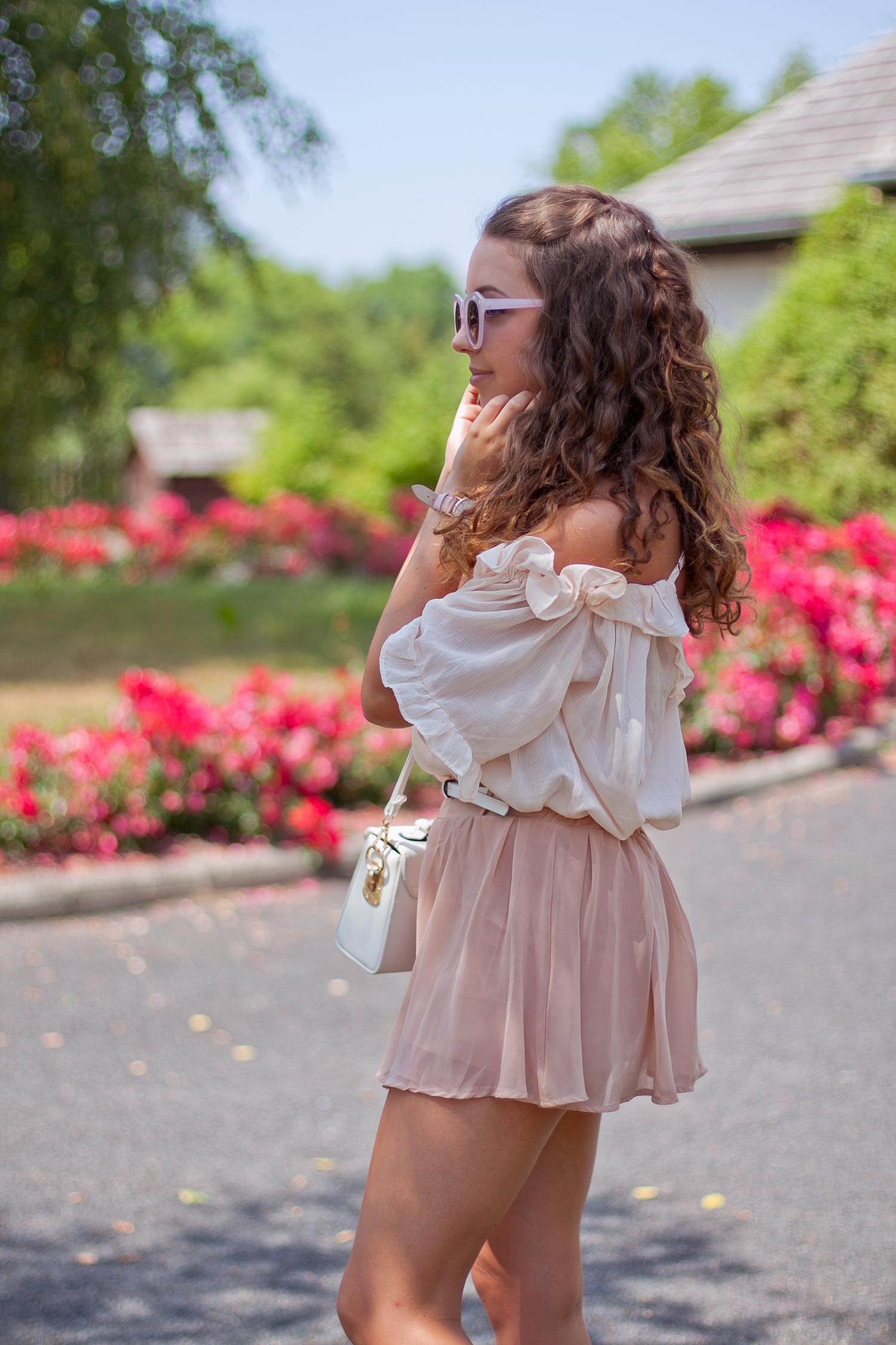 pudrowo różowa spódnica