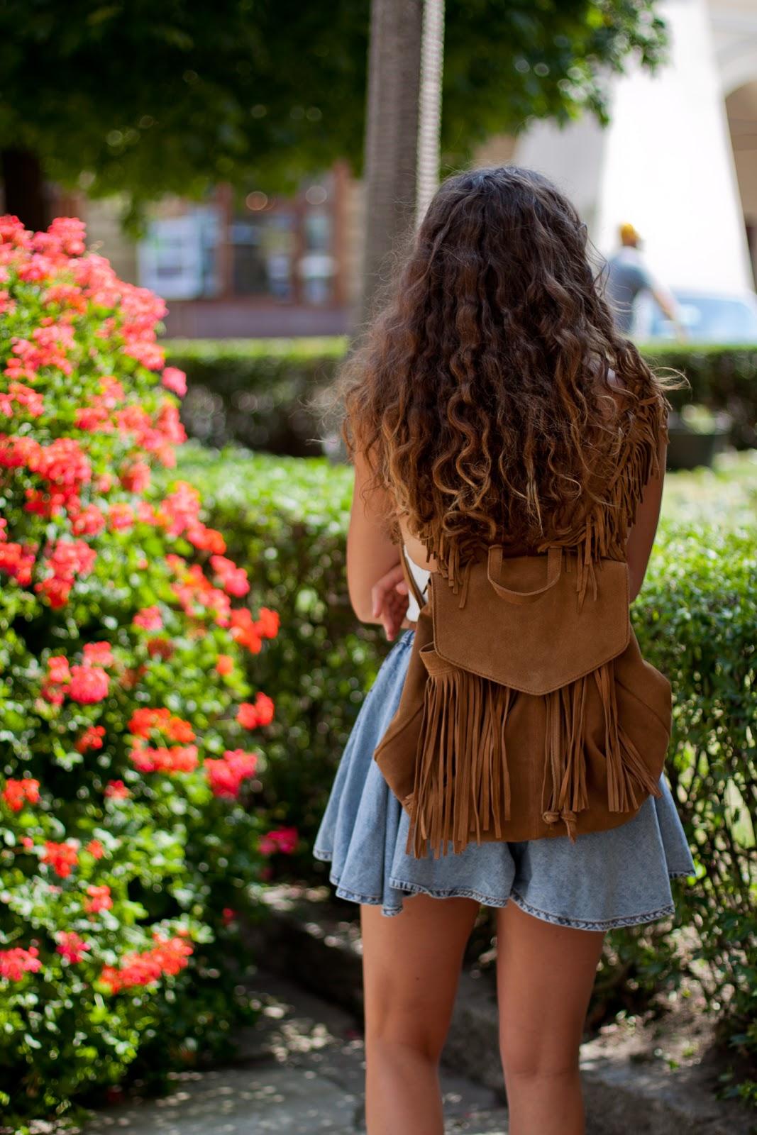 zamszowy brązowy plecak frędzle zara
