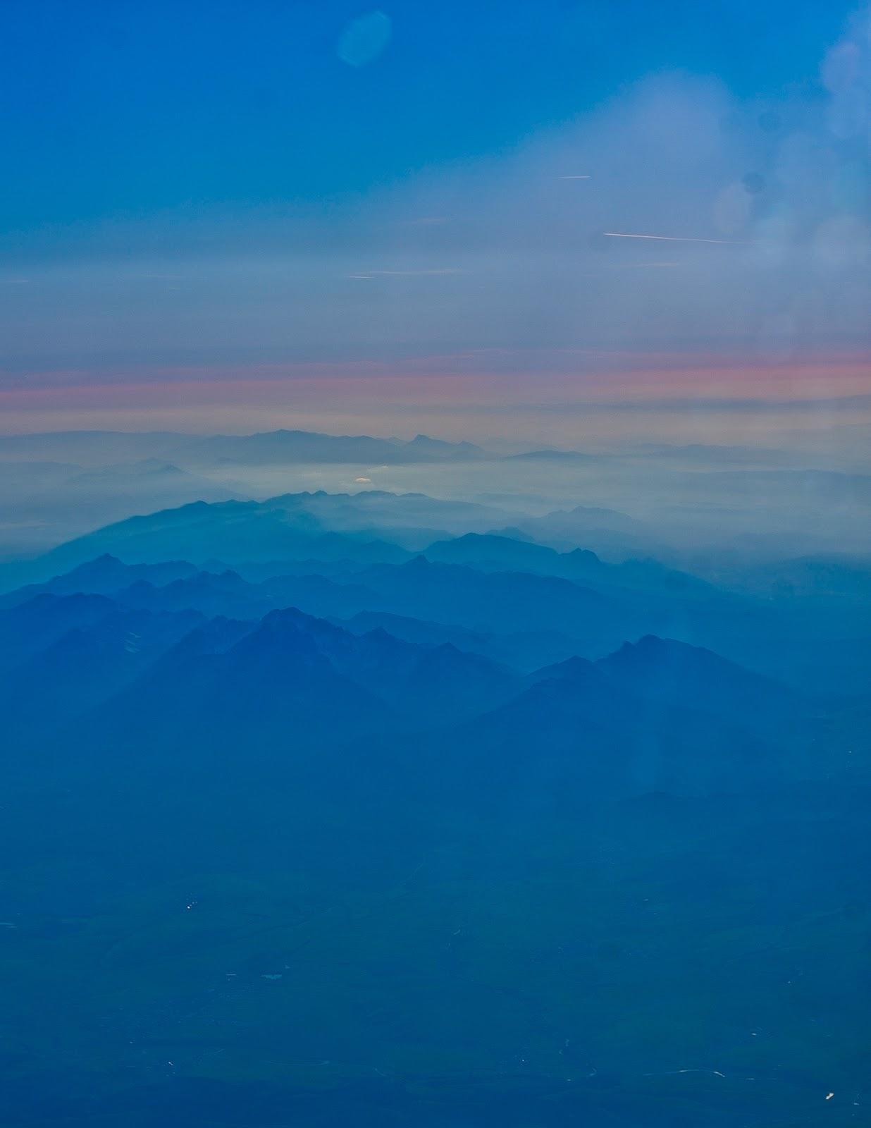 zdjecie-w-samolocie-góry