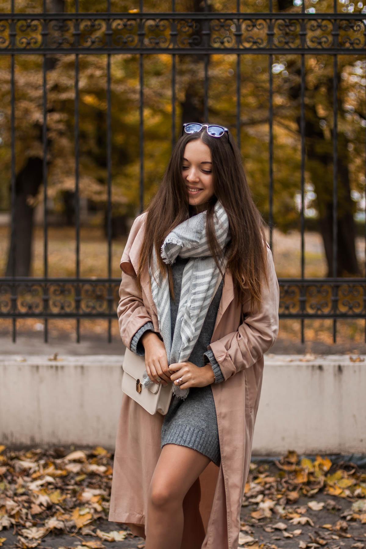 długi sweter trencz