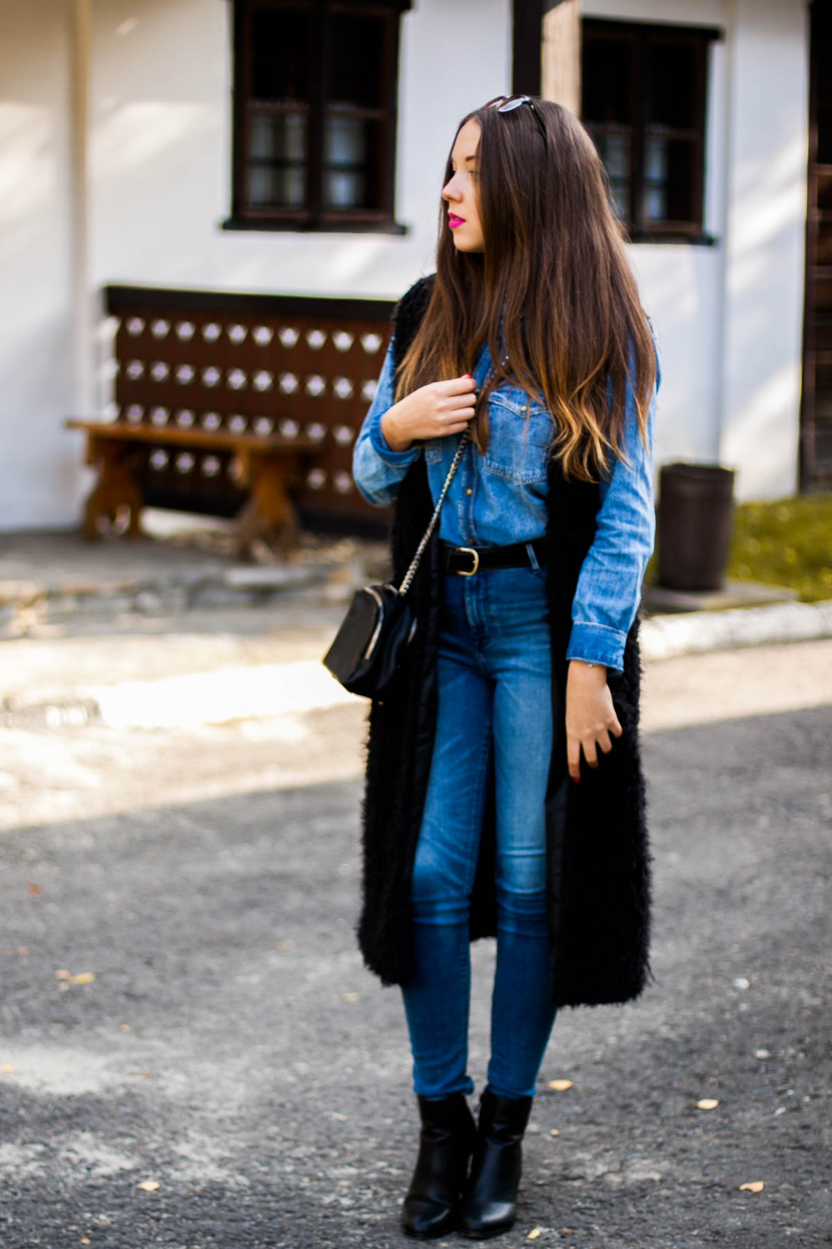 jeansowe spodnie z wysokim stanem zara