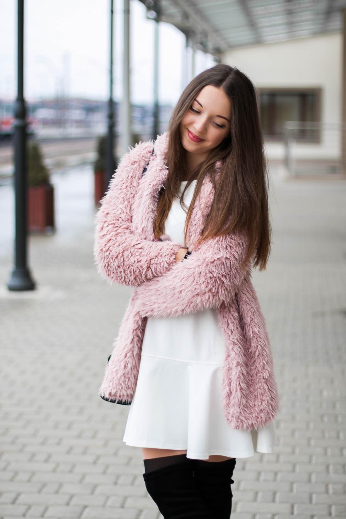 różowe futro płaszcz sheinside