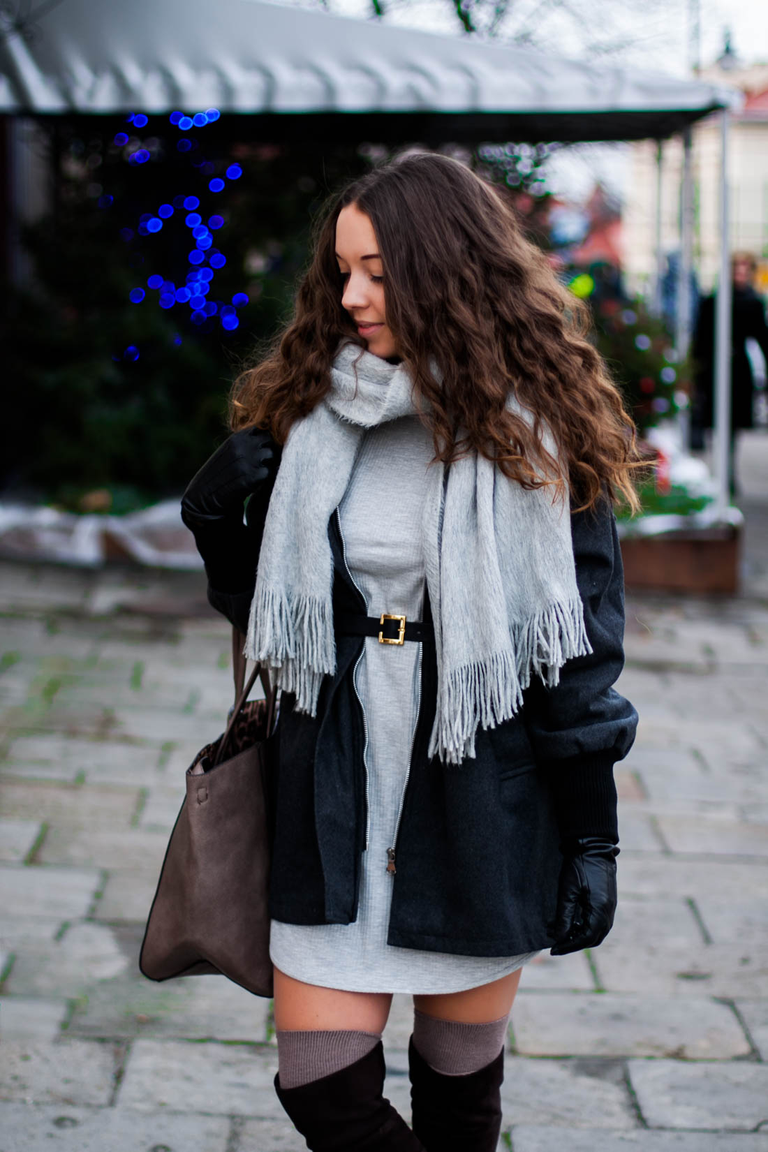 Stylizacja w odcieniach szarości szal płaszcz