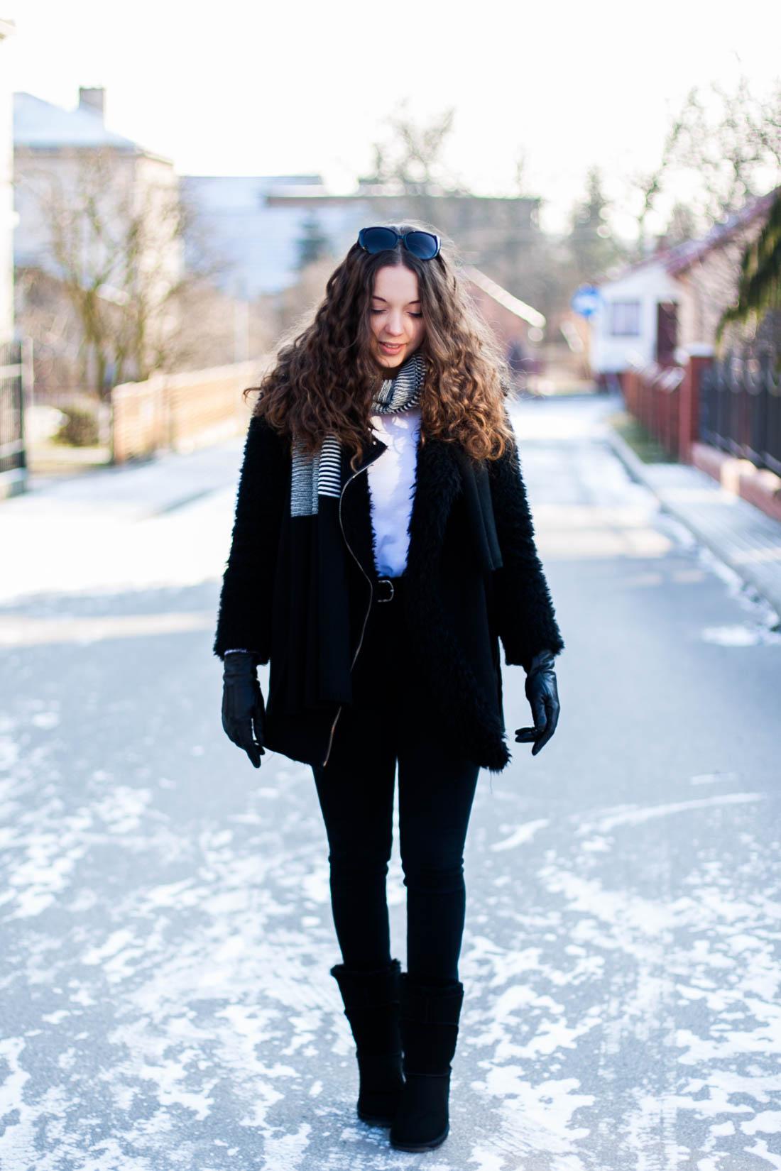 Czarna zimowa kurtka na mrozy