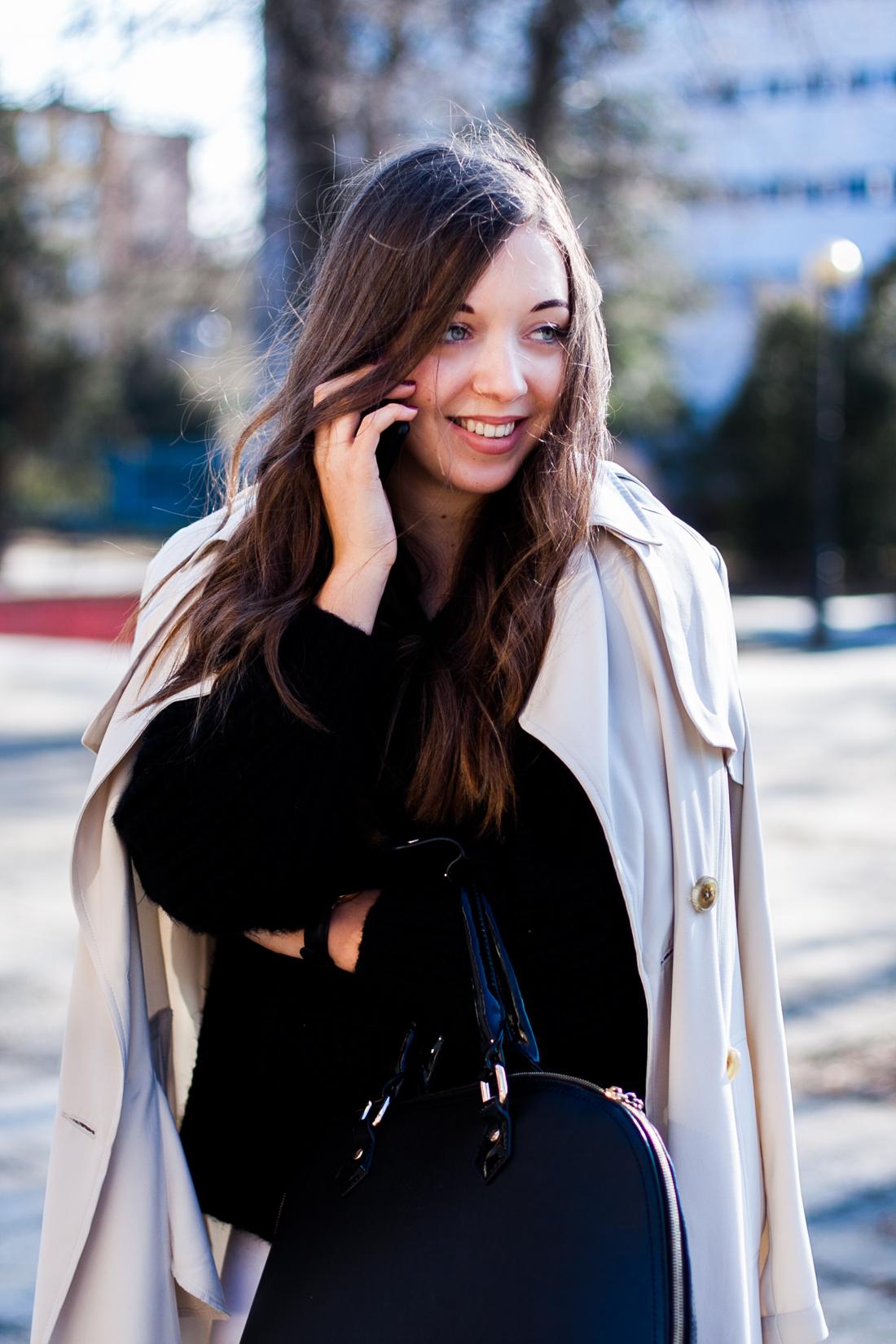 beżowy płaszcz prochowiec dorothy perkins stylizacja