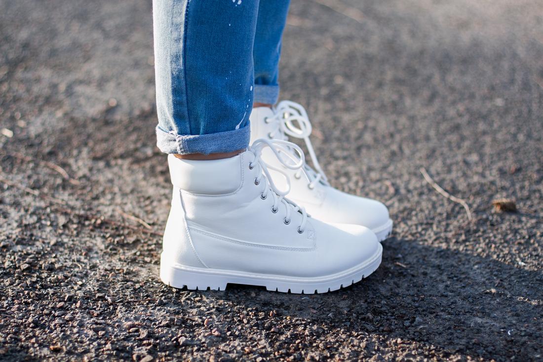 białe buty trapery deezee