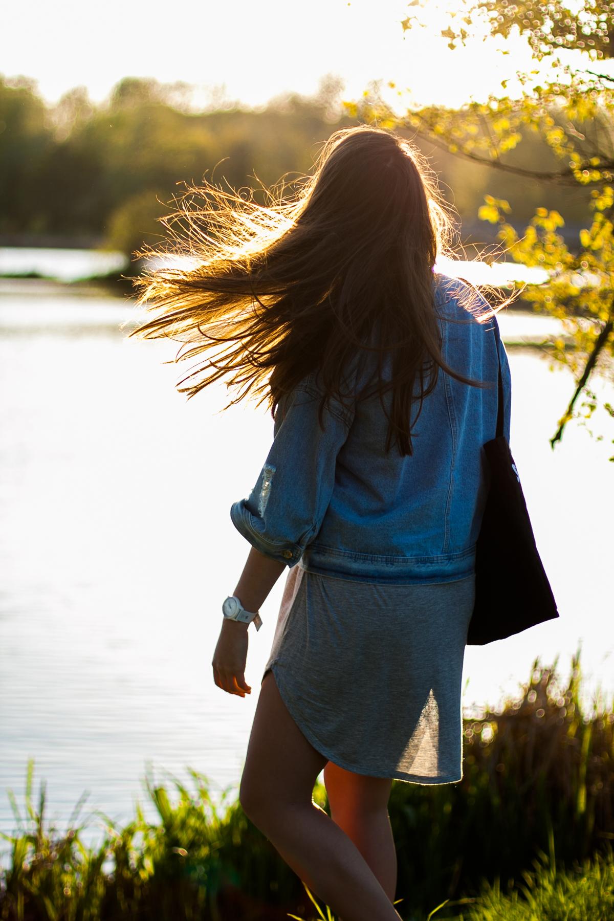 jeansowa kurtka stylizacja blog