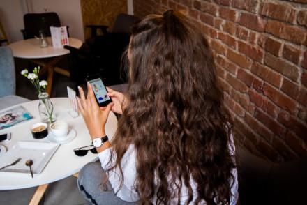 Jak łatwo robić zakupy mobilne domodi