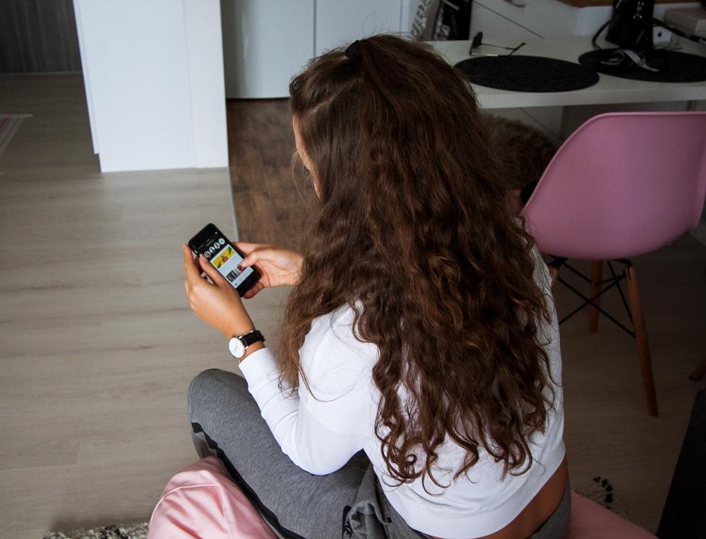 Jak kupować przez smartfona telefon aplikacja domodi