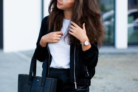 czarna bomberka stylizacja bomber jacket