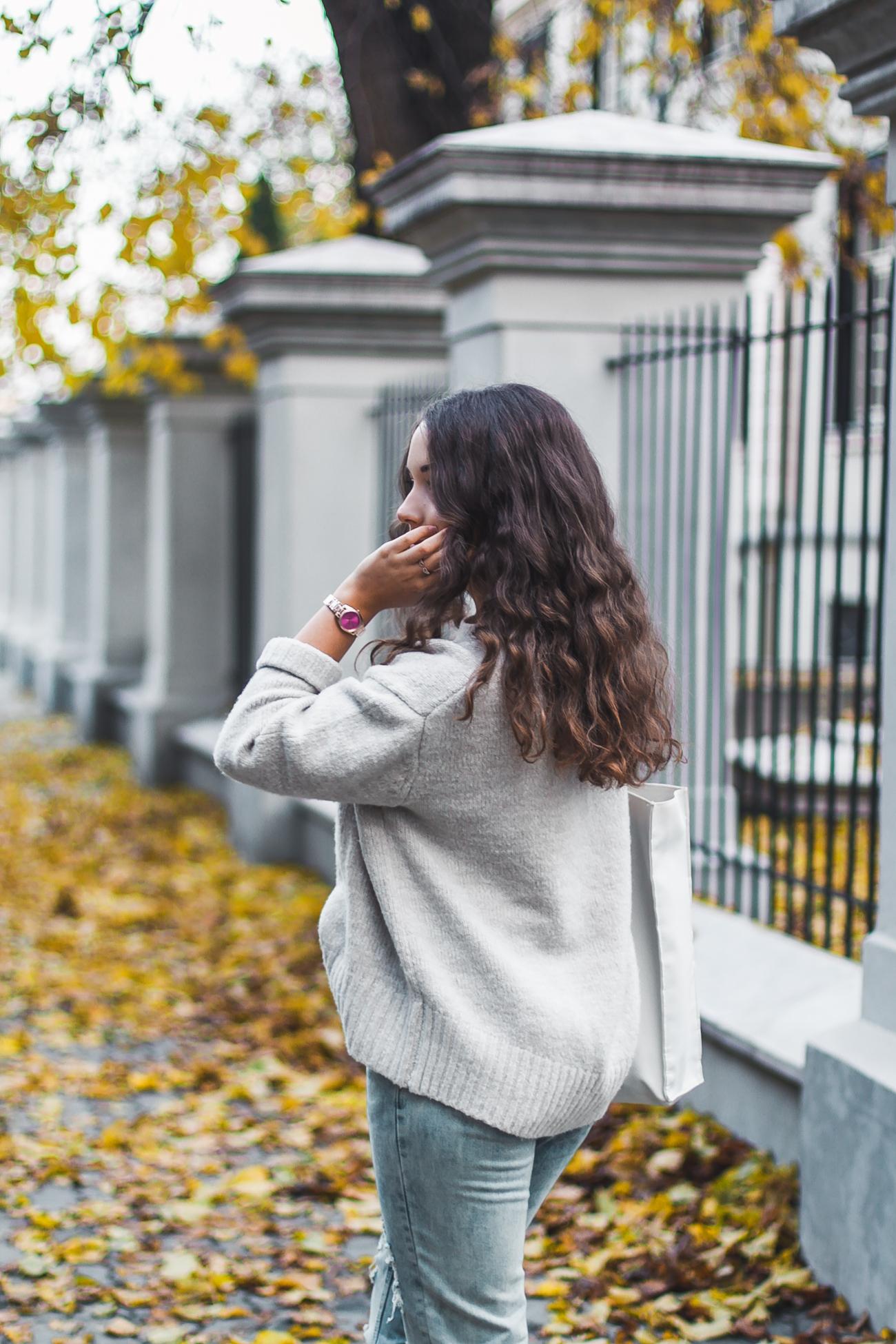 Akrylowy sweter zara stylizacja