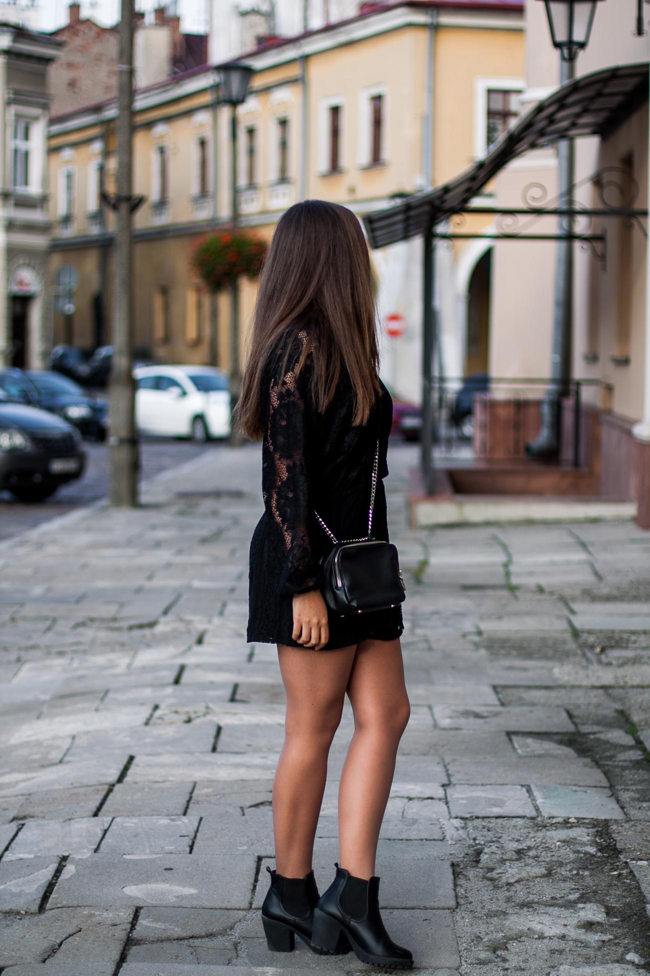koronkowa sukienka w stylizacji
