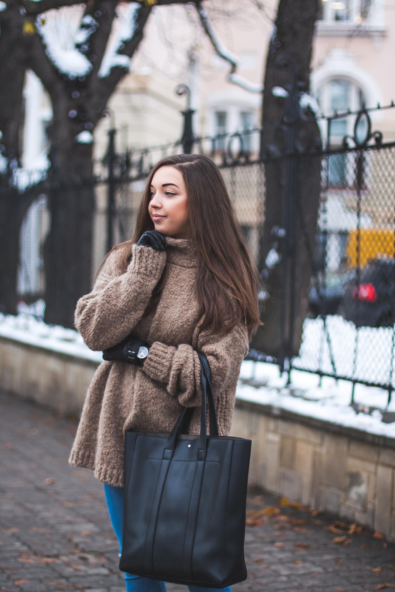 Brązowy sweter na zimę zara