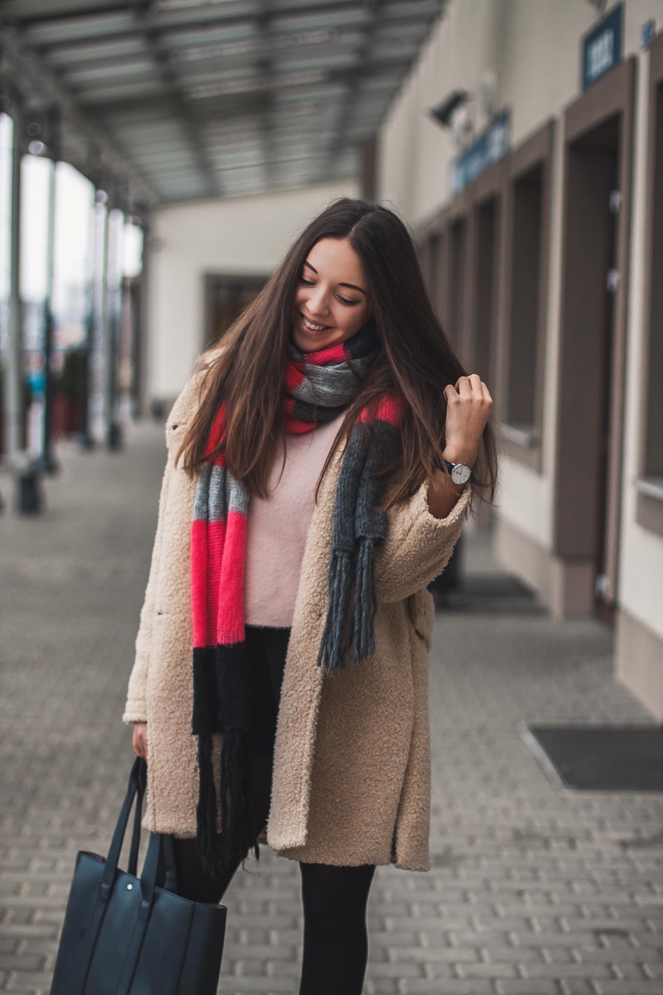 Zimowy płaszcz oversize Stylizacja