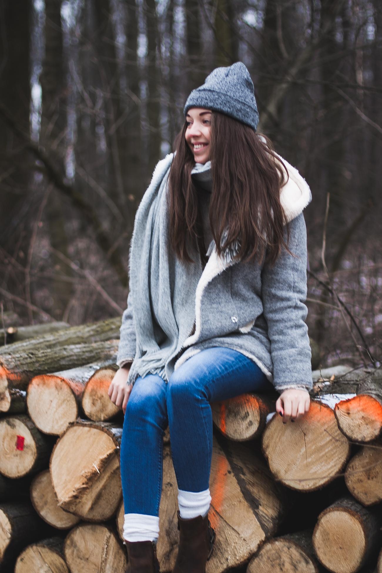 szary płaszcz zimowy zara
