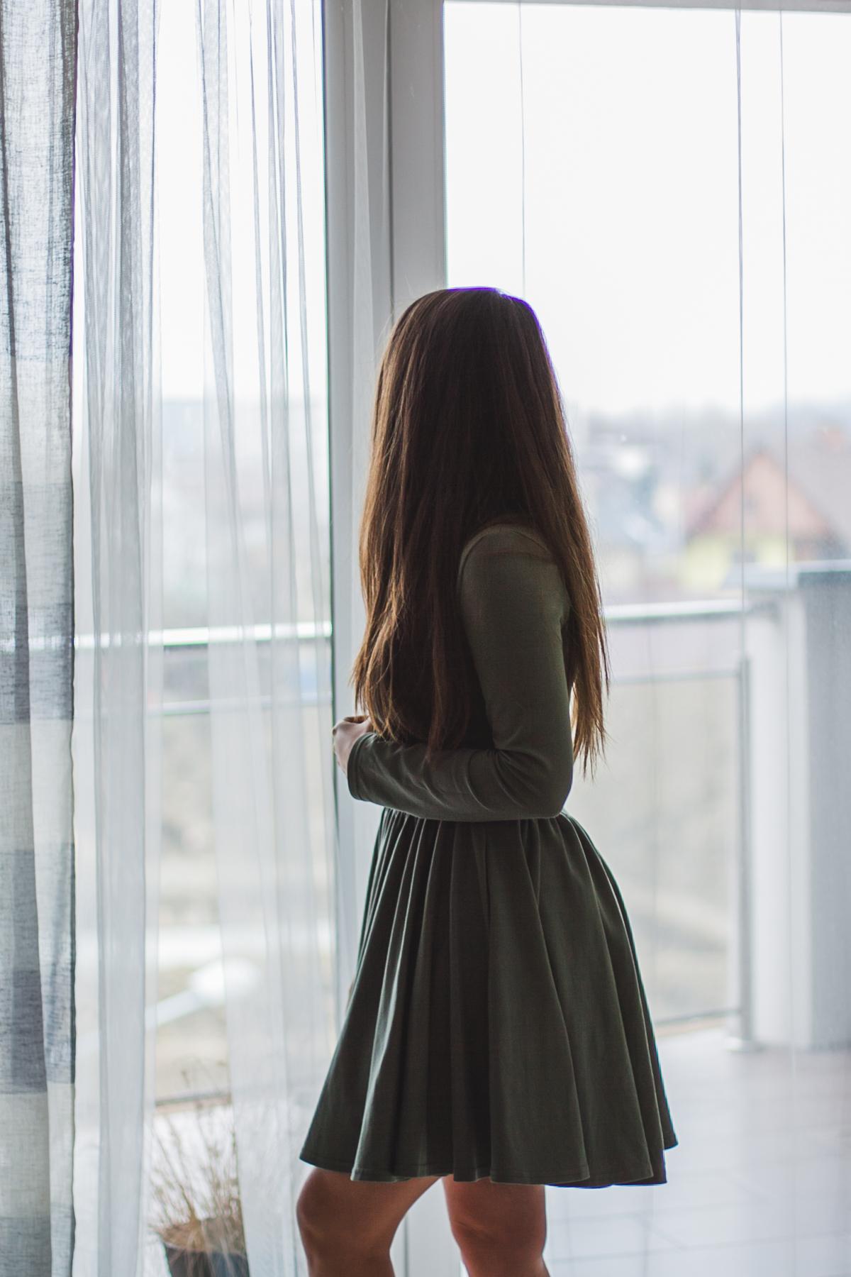 Oliwkowa sukienka bawełniana