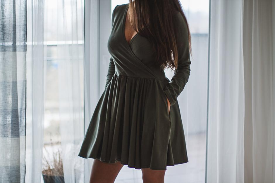 oliwkowa-sukienka-sugarfree