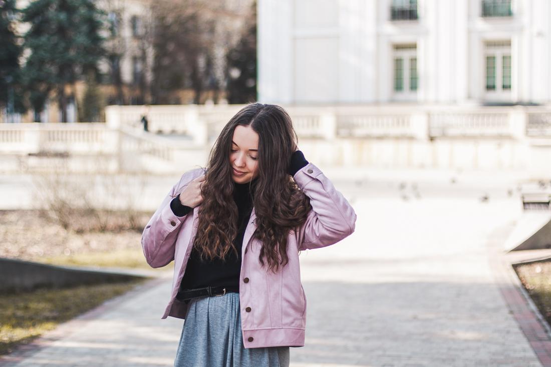 pastelowa różowa kurtka
