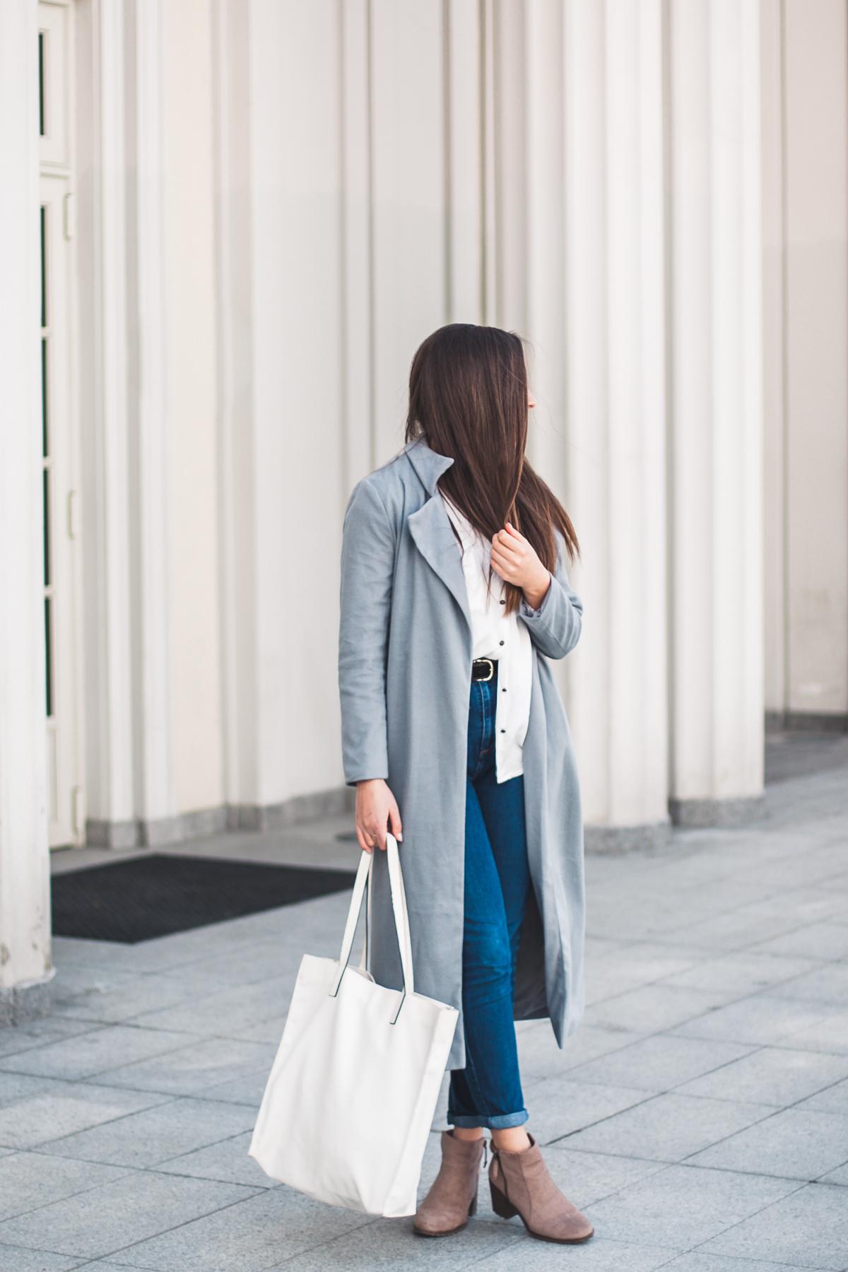 stylizacja z długim płaszczem