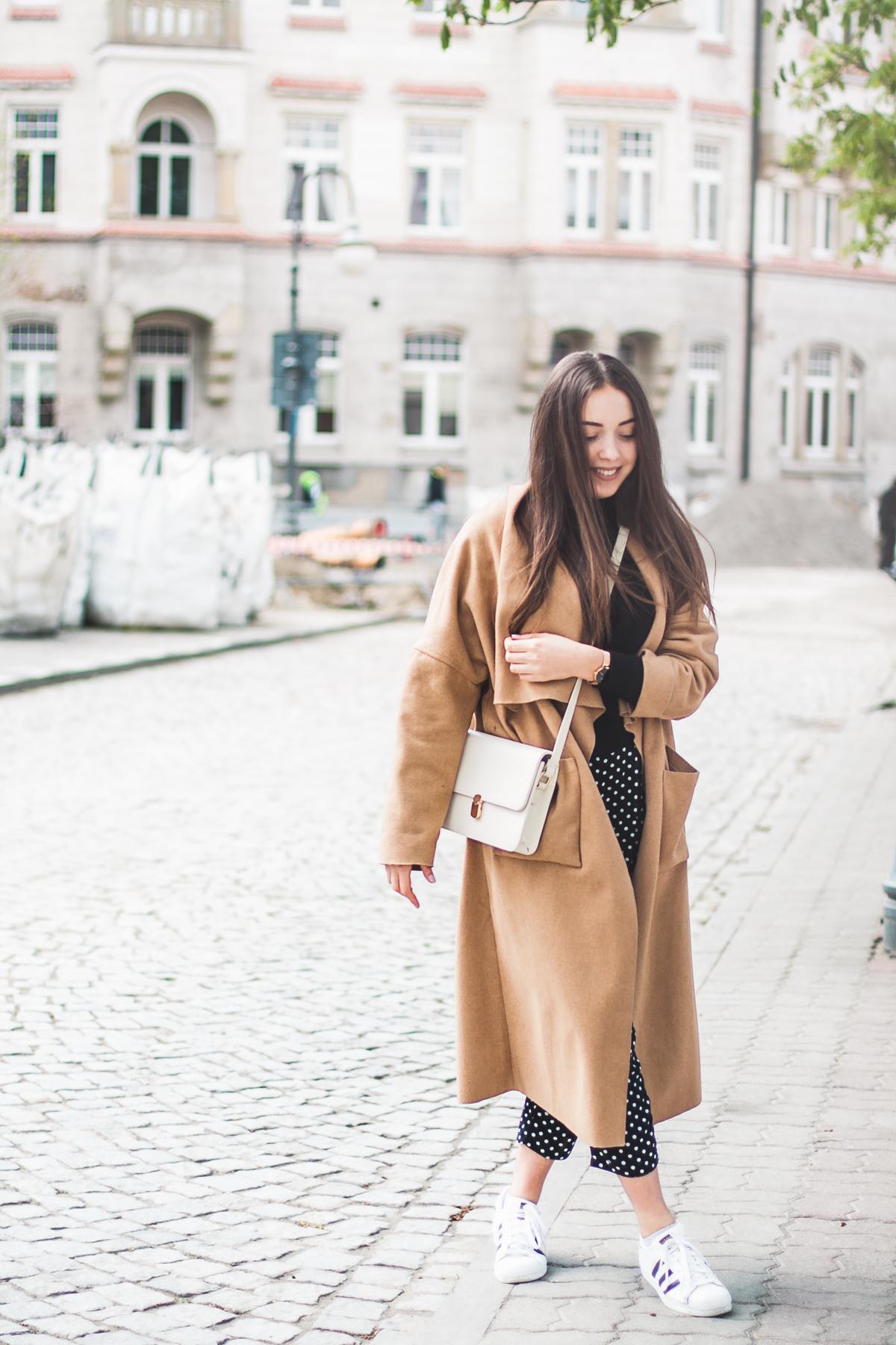 jak nosić długi płaszcz