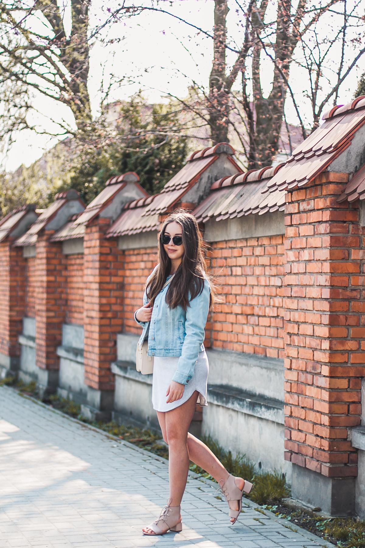 jeansowa kurtka do czego ubierać