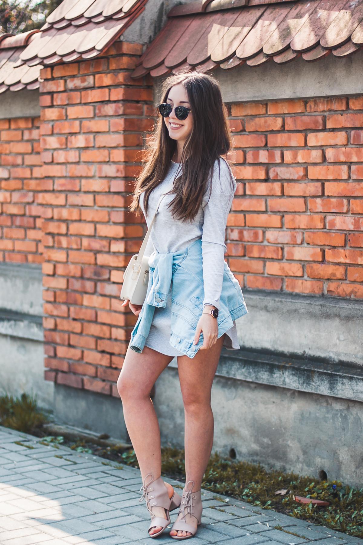 jeansowa kurtka do sukienki