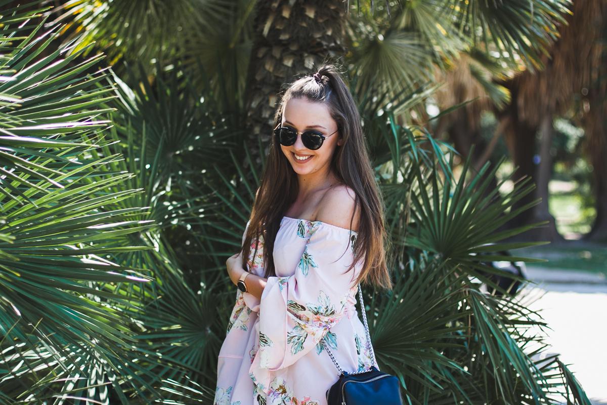 Pastelowy kombinezon w kwiaty stylizacja blog modowy