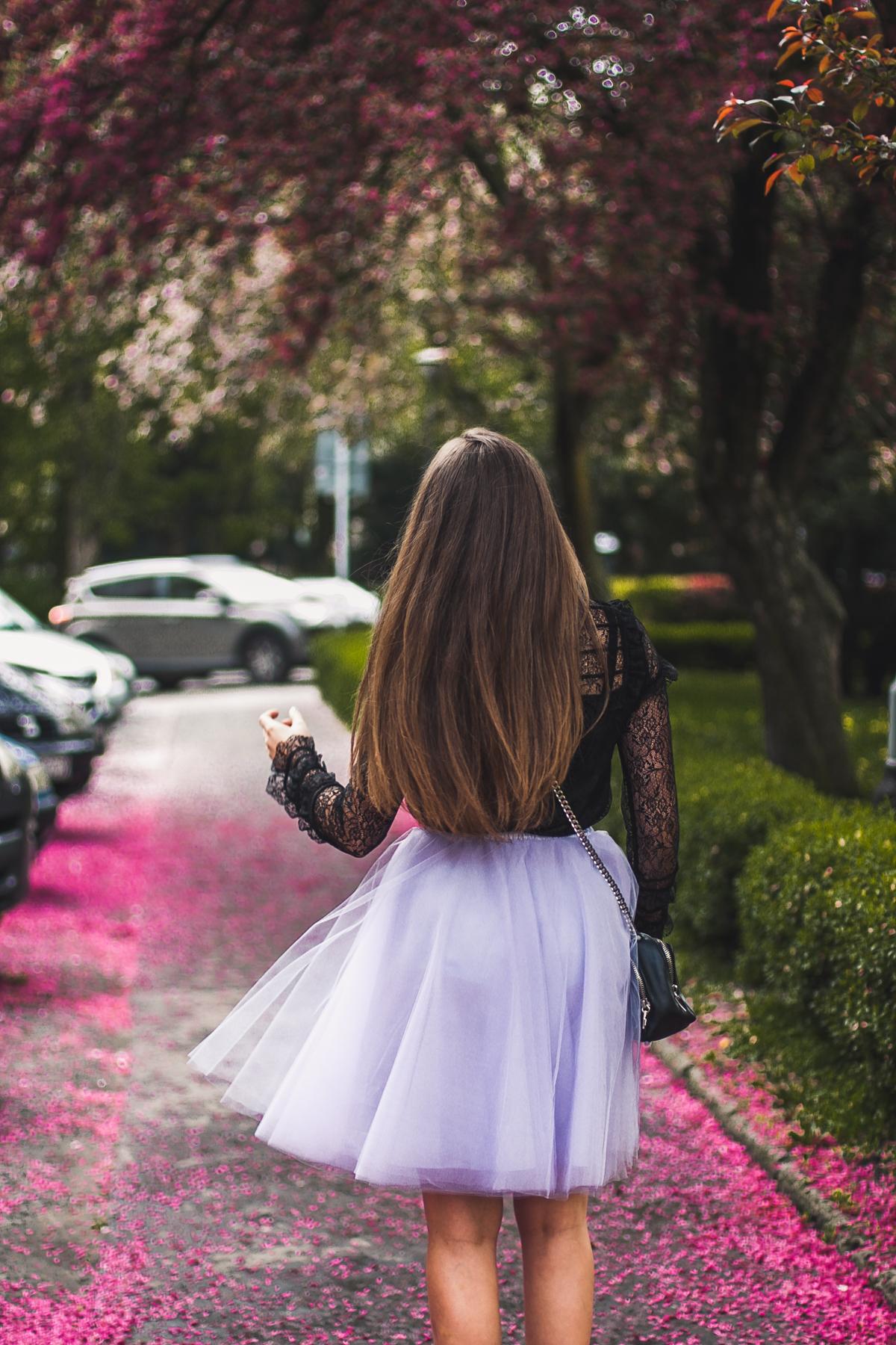 strój na wesele spódnica