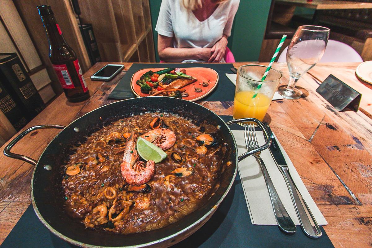 najlepsza paella barcelona gdzie zjeść
