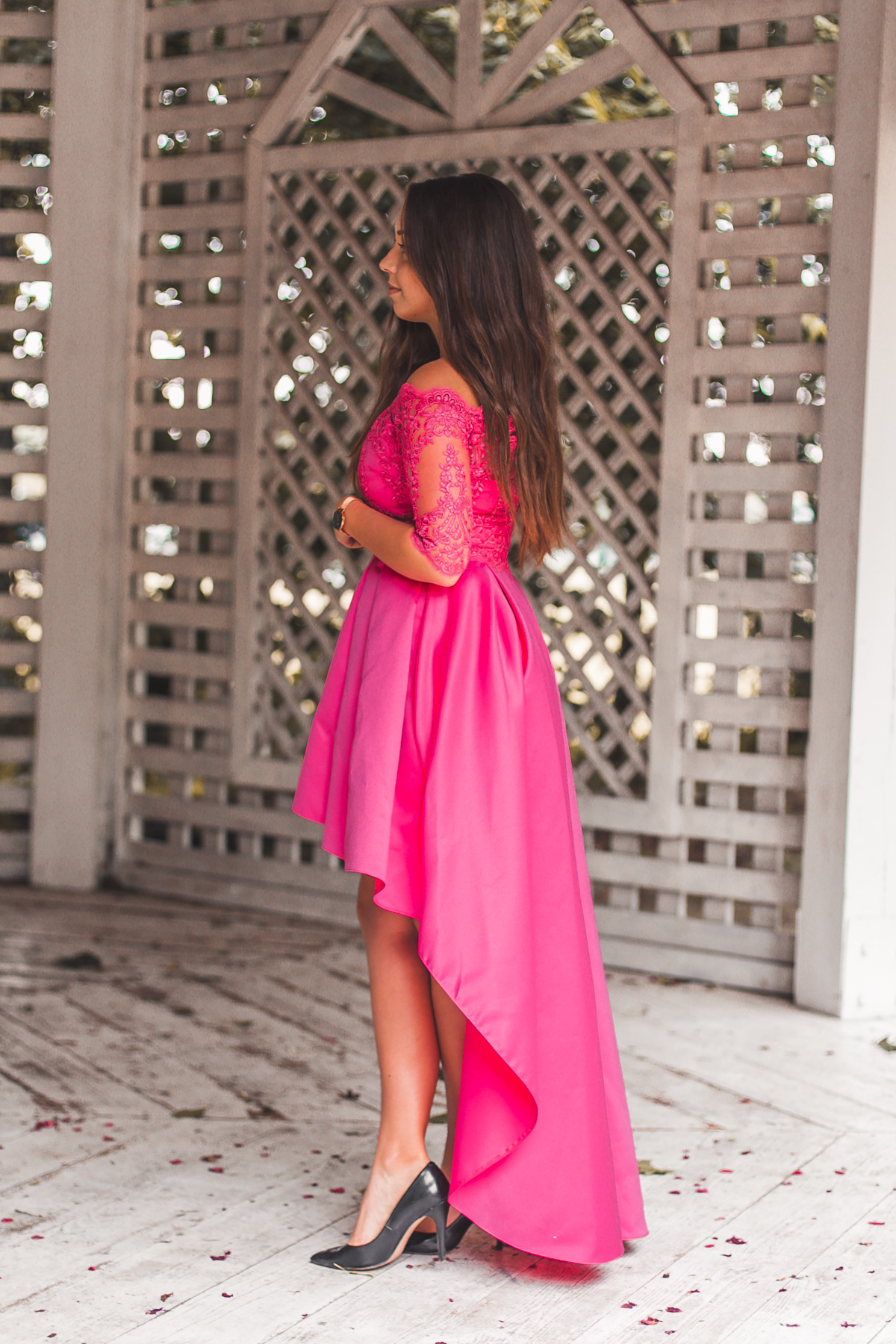 4aacc6d4f1 sukienka z odkrytymi ramionami na wesele asymetryczna różowa sukienka w  kolorze fuksji ...