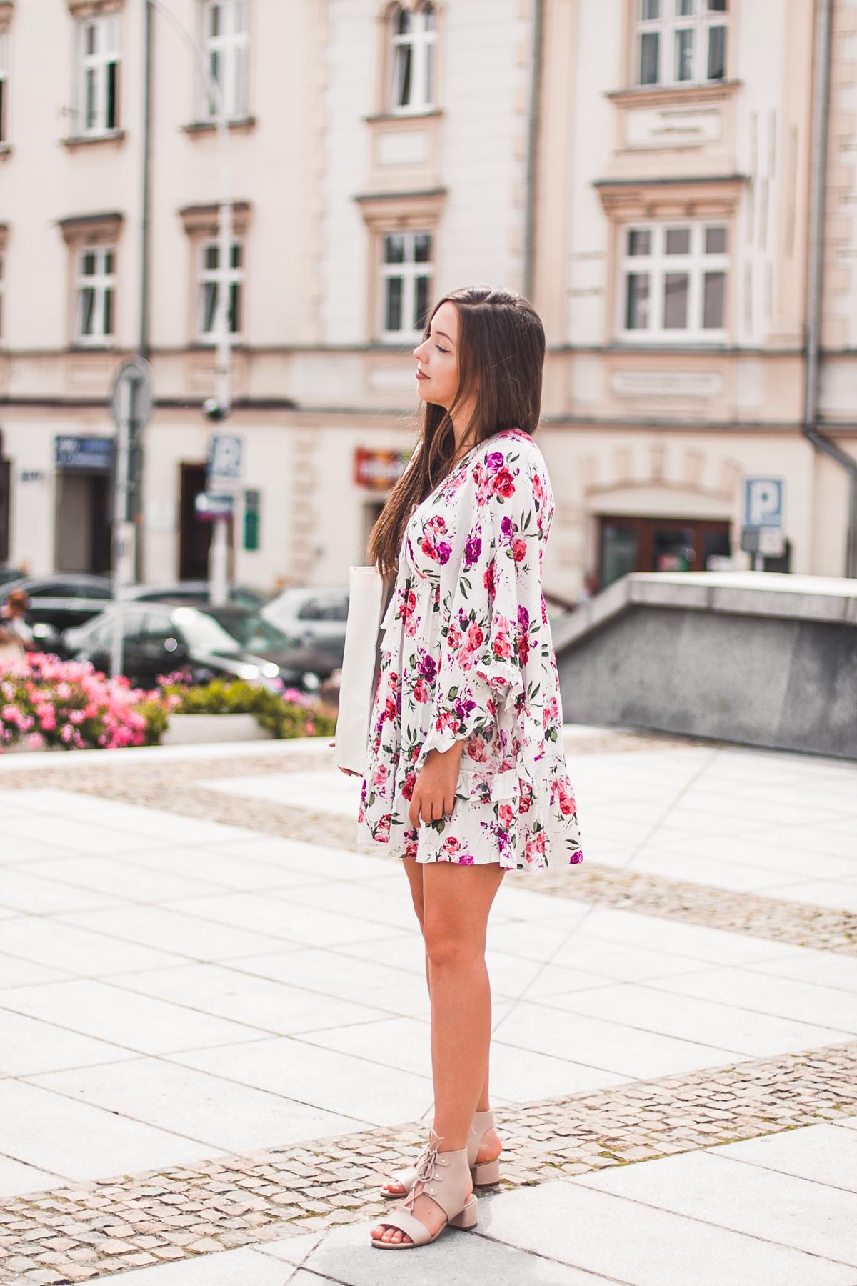 Biała sukienka w kwiaty shein ubrania chińskie