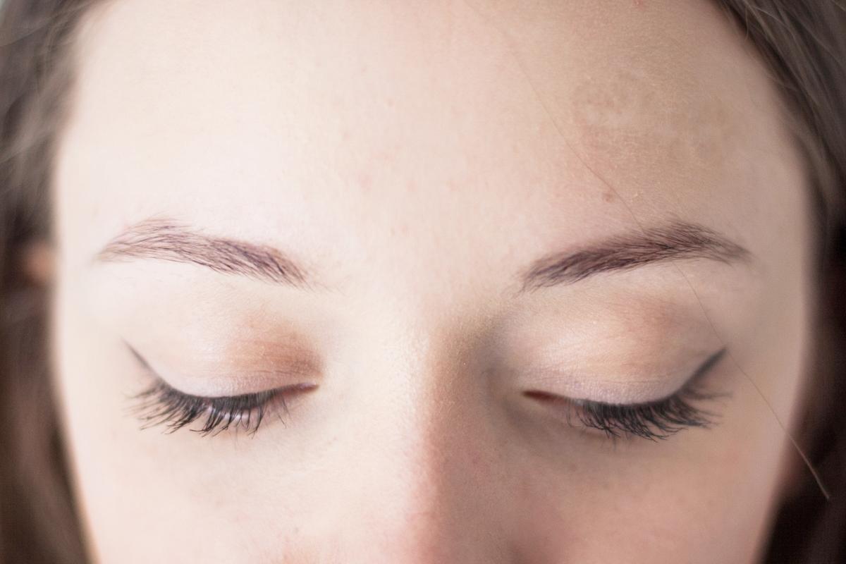 makijaż permanentny wady zalety