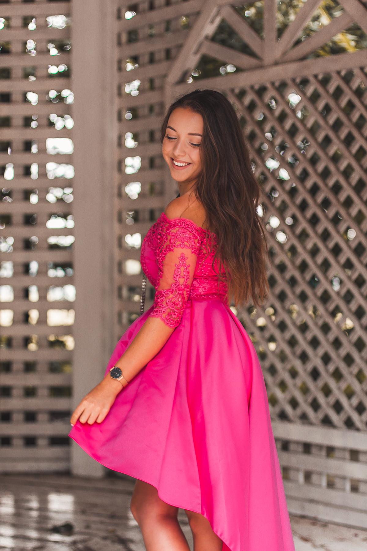 koronkowa sukienka fuksja