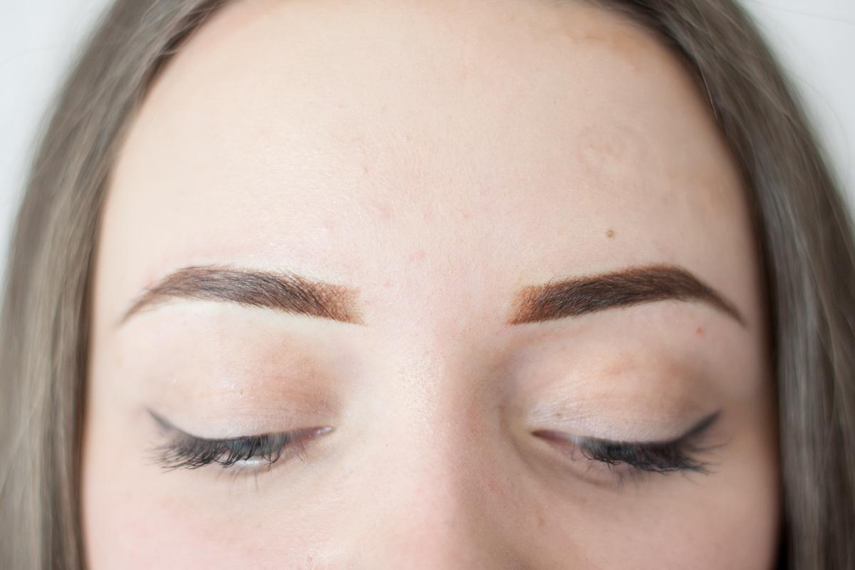 efekt po makijaż permanentny