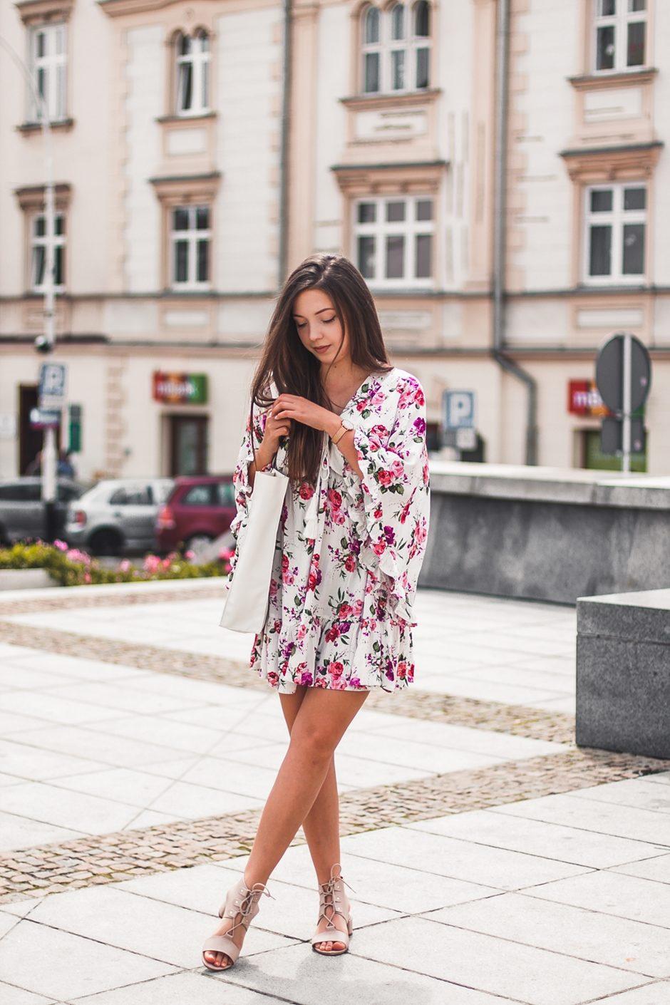 Sukienka W Kwiaty Shein Z Szerokimi Rekawami Kolorowadusza Com
