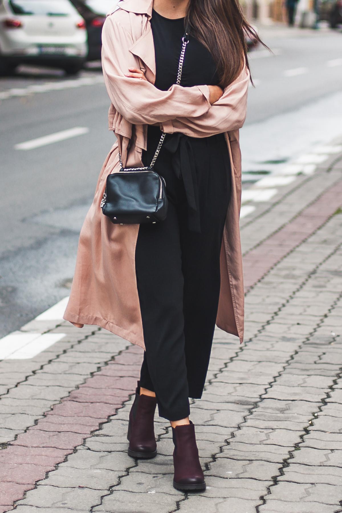 Spodnie z szerokimi nogawkami zara