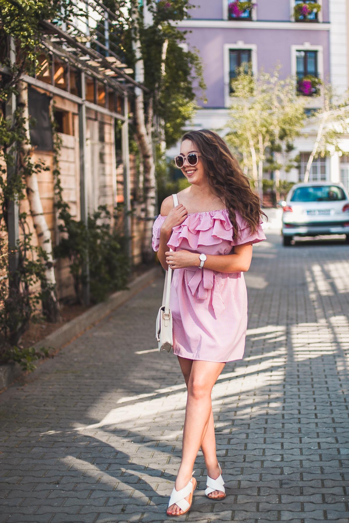 stylizacja z sukienką hiszpanką
